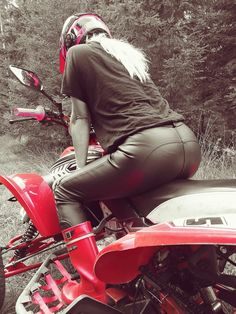 Leather pants and red rubber boots on ATV Leder Outfits, Scooter Girl, Lady Biker, Biker Chick, Leather Pants, Poses, Clothes For Women, Leggings, Nice