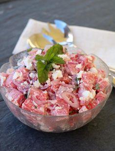 10 knallgode salater som passer perfekt til grillmaten! - LINDASTUHAUG Tzatziki, Frisk, Pesto, Potato Salad, Salsa, Food And Drink, Potatoes, Ethnic Recipes, Salsa Music