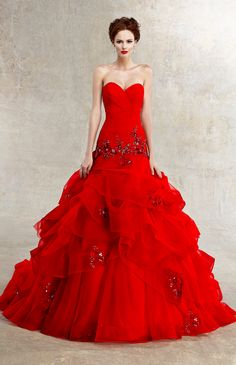 Red wedding dresses is an auspicious color really lovely bride dress. It is true that American culture dress red wedding dress is the announcement of Red Wedding Gowns, Wedding Dress 2013, Red Gowns, Wedding Dress Styles, Bridal Dresses, Prom Dresses, Wedding Blog, Wedding Dressses, Tulle Wedding