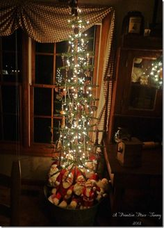 My home at Christmas   2012  Primitive Farmhouse  A Primitive Place ~ Tammy