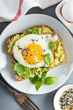 Craving for a fancy breakfast or brunch? Simple avocado toast with cottage or mozzarella cheese plus egg if you wanting a more hearty meal. Avocado toast with fried egg and veggies. Yes, fried egg avocado toast. And it is so good. Try it today. #avocadotoast #avocadobreakfast #avocado #breakfastideas #healthybreakfast #healthyrecipe #ketobreakfast #ketorecipe #eggbreakfast #healthyrecipe #glutenfreebreakfast Pasta, Avocado Toast, Breakfast, Sandwich Recipes, Other Recipes, Sandwich Loaf, Avocado, Egg As Food, Salads