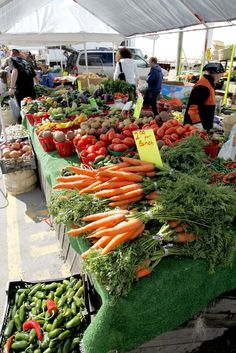I love a good Farmers' Market. Sadly, I don't know that they exist in south Florida.