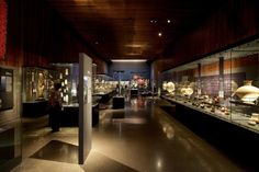 Object Display Chilean Museum of Pre-Colombian Art / Smiljan Radic