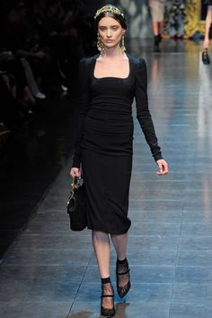 Dolce & Gabbana Fall 2012 Ready-to-Wear Fashion Show - Carolina Thaler