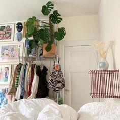 Home Decor Living Room .Home Decor Living Room Room Ideas Bedroom, Bedroom Inspo, Indie Bedroom Decor, Hipster Room Decor, Indie Room, Aesthetic Room Decor, Dream Rooms, Cool Rooms, Pretty Room