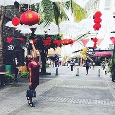 No matter how hard the past, you can always begin again. #buddha #chinese #chinesenewyear #mauritius2017 #caudan #mauritiusisland #mauritius #itssummer #blogger #blogueuse #photography #photographer #leblogdejennie #itaita #adidas #adidassuperstar #blackshoe #mauricienne #bobhaircut #happychinesenewyear #instagram #