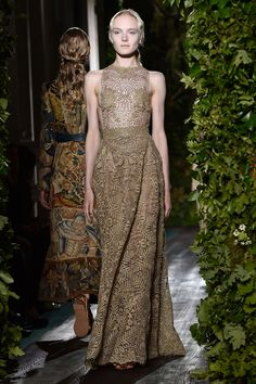 Valentino. The Best Looks From the Fall 2015 Couture Runways  - ELLE.com