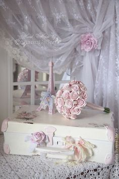 Shabby Chic Decoration     so pretty!!!!