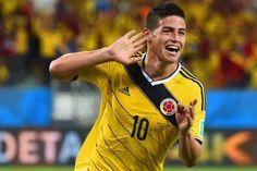 Colombias James Rodriguez celebrates Golden Boot