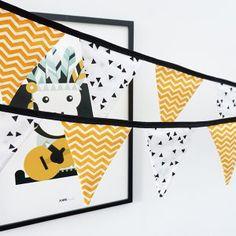 Laat je inspireren door de verschillende voorbeelden. Nieuwsgierig naar wat Signcraft allemaal kan? Neem dan een kijkje op www.signcraft.nl #theskyisthelimit #signsofsuccess #welcomeonboard #signcraftNL Nicu, Baby Quilts, Baby Room, Nursery, Sewing, Camper, Silhouette, Yellow, School
