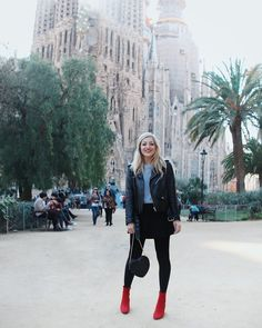 Another one from the insanely beautiful Sagrada Familía Dedicated Follower Of Fashion, Suede Booties, Autumn Fashion, Fall Winter, Street Style, Style Inspiration, Lifestyle, My Style, Instagram Posts