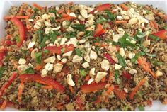 The crunchy delicate taste of quinoa goes well with this Asian-infused salad. Serves Ready in Prep time: 10 minutes Cook time: 15 minutes Ingredients Vegetable Salad, Vegetable Pizza, Vegetarian Recipes, Healthy Recipes, Skinnytaste, Quinoa Salad, Meatloaf, Bon Appetit, Healthy Eating