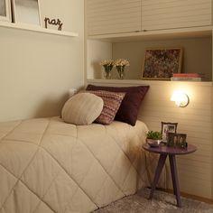 Quartos pequenos: 11 dicas e 25 ideias para decorar o espaço com estilo Dream Rooms, Dream Bedroom, Dream Home Design, House Design, Interior Design Programs, Pretty Bedroom, Interior Paint, Interior Architecture, Home Office