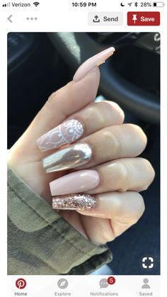 Opting for bright colours or intricate nail art isn't a must anymore. This year, nude nail designs are becoming a trend. Here are some nude nail designs. French Nails Glitter, Pink Stiletto Nails, Pink Nails, Glitter Nails, Pink Chrome Nails, Matte Pink, Fabulous Nails, Gorgeous Nails, Colorful Nail Designs