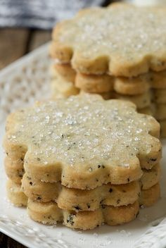 Pretend you& where the Union Jack flys proudly! These London Fog Vanilla Bean Shortbread cookies are so good, and a little surprise inside; Shortbread Cookies, Cake Cookies, Sugar Cookies, Fun Cookies, Buttery Cookies, Shortbread Recipes, Vanilla Cookies, Delicious Cookies, Cupcakes