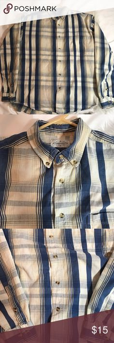 Men's Buttoned Down Chambray So unique, thick Plaid  buttoned down shirt with tortoise like buttons. From third coast outfitters. Urban Outfitters Shirts Casual Button Down Shirts