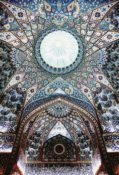 ceilng of the imam hussein shrine, karbala, iraq (684) by Mukhtar Abu Ubaid Ibn al-Thaqafi| islamic art + architecture… #islamicarchitecture