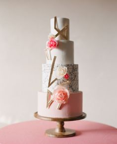 modern gold and pink cake. #wedding #bridal #cakes