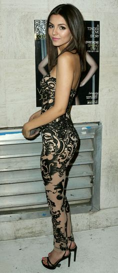Stunning in Lace…… Volatile Victoria Justice
