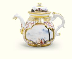 A MEISSEN PORCELAIN TEAPOT AND COVER CIRCA 1730