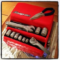 Snap on tool box cake for the mechanic in your life ..