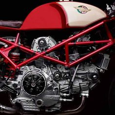Ducati Sport Classic, Classic Cars, Ducati Monster 400, Monster Garage, Ducati 900ss, Engineering Works, Billy The Kids, Ducati Motorcycles, Motor Engine