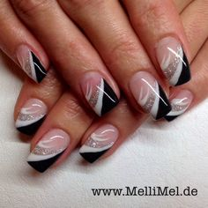 Nailart in schwarz weiss fürs kleine Schwarze www.mellimel.de