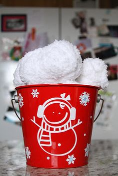 I may need to make this if it doesn't snow again this winter. A winter without a snowball fight is depressing.