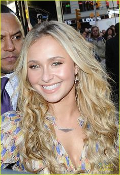 hayden panettiere gma nashville 01 - Again what do I have to do to get this hair!