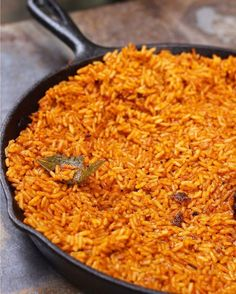 How to Make Jollof Rice in 5 Easy Steps - Ev's Eats How to make mouthwatering Nigerian Jollof Rice in 5 easy steps! Full of flavor, and a super easy and simple way to tackle Nigerian cooking.<br> Delicious Nigerian Jollof Rice made in 5 Easy steps! Rice Recipes, Vegetarian Recipes, Cooking Recipes, Riz Jollof, Jollof Reis, Jellof Rice, Ghanaian Food, Nigeria Food, West African Food
