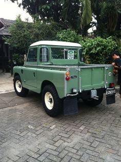 What a clean, neat, Pickup! Land Rover Truck, Land Rover Pick Up, Land Rover Off Road, Land Rover Defender, Landrover Series, Best 4x4, Land Rovers, Toy Trucks, Vintage Trucks