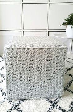Schachenmayer heeft een nieuw garen uitgebracht: Soft & Easy. Het is een acrylgaren dat kwa uiterlijk wel wat op merinowol lijkt omdat het heel zacht aanvoelt. Het is zo gemaakt is dat het weinig pilt, Heleen maakte er meteen een heel tof patroon bij... Crochet Home, Free Crochet, Knit Crochet, Crochet Decoration, Home Deco, Fall Decor, Home Accessories, Tatting, Diy Crafts