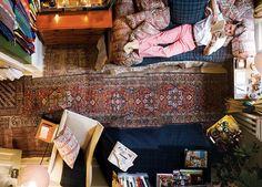 Chic Deac: Preppy and Elaborate Dorm Room