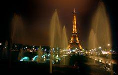 Hotel barato? A torre Eiffel - Paris