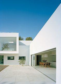 Moderna y minimalista casa de verano en Malmo, Suecia