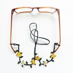 N-G111882İpek İğne Oyası Gözlük Askısı Eyeglass Holder, Fashion Face Mask, Handicraft, Eyeglasses, Crochet Necklace, Chain, Beads, Knitting, Chiffon