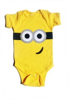 Minion outfits for kids - What are the two cutest things on earth? For me the answer would undoubtedly be minions and babies, combine the two and you definitely get an overdose of cuteness. Minion Outfit, Baby Kind, Our Baby, Baby Love, Little Babies, Cute Babies, Onesies, Baby Onesie, Toddler Girl Outfits