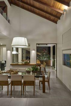 modern Dining room by Isabela Canaan Arquitetos e Associados Home Interior Design, Modern Interior, Interior Architecture, Interior Decorating, Style At Home, Sweet Home, Home And Deco, Dining Room Design, Design Room