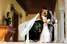 Let yourself be carried away by the original #Details #CasaVelas offers for your #Wedding. #PuertoVallarta #Brides #Love
