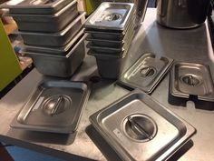 RESTAURANT SUPPLY ASSORTMENT OF STAINLESS STEEL SQUARE INSERTS WITH LIDS