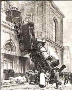 train wreck at montparnasse 1895 | accident ferroviaire de la gare Montparnasse