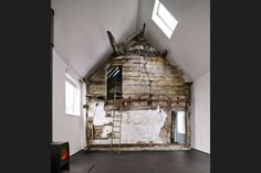 """archatlas: """" Croft Lodge Studio in Herefordshire Architect Kate Darby and designer David Connor describe how they preserved a cottage in Leominster, Herefordshire, and turned it into a. Architecture Design, Architecture Renovation, Amazing Architecture, Small Cottage Homes, Small Cottages, Cottage House, Cottage Renovation, Style At Home, Cabana"""
