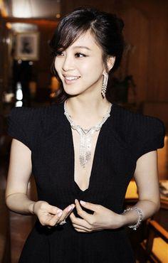 she is gorgeous. korean actress.