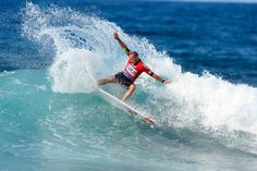 Prime surfers will return to the Azores Pro 2014 - via Surfer Today 17.03.2014 | The 2014 SATA Airline Azores Pro has been confirmed with Prime status. The event will be held between 2nd-7th September, at Praia de Santa Bárbara, Sao Miguel. Photo: Tiago Pires: sliding splash