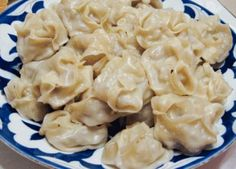 My favorite dish, probably ever. Fresh meat, dough and fat - oh yessss. Like them pan fried after they done steaming - you know to make them crispy ; Kazakhstan Food, Potluck Recipes, Cooking Recipes, Uzbekistan Food, Fried Fish Recipes, Greek Cooking, World Recipes, Greek Recipes