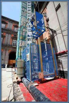 CONSTRUCTION LIFT Construction Lift, Times Square, Fair Grounds, Italy, Fun, Travel, Italia, Viajes, Destinations