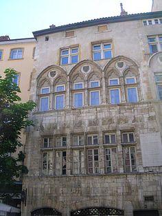 Quartier Saint Jean à Lyon Maison Thomassin 2 place du Change