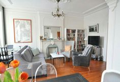 Very good dining area, living room, workspace layout in this apartment.