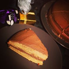 Healthy chocolate peanut gluten free cake with no added sugar 🍰 Healthy Chocolate, Chocolate Peanuts, French Toast, Cheesecake, Gluten Free, Sugar, Breakfast, Desserts, Food