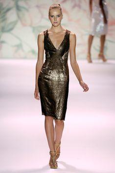 Monique Lhuillier Spring 2011 Ready-to-Wear Fashion Show - Lisanne De Jong